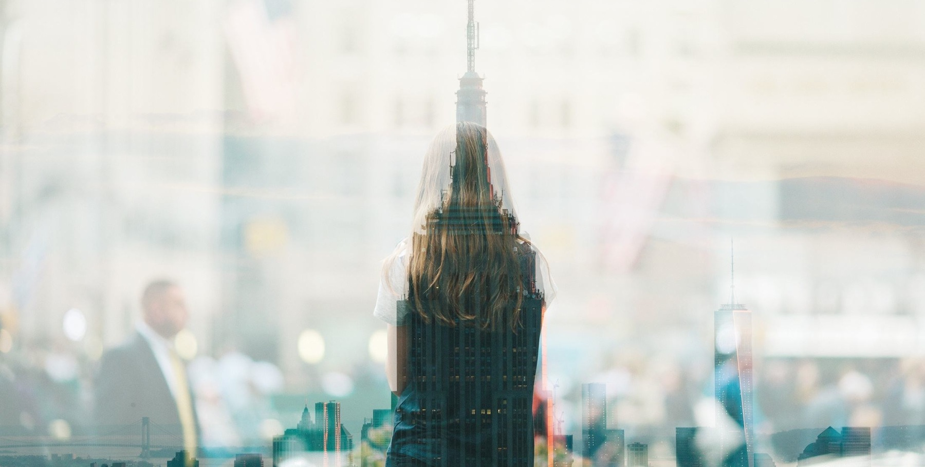 woman_empire state building